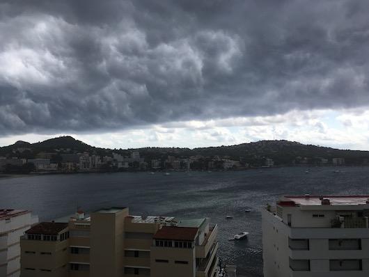 Erkély viharral