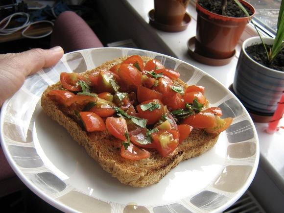 Paradicsomos kenyér